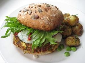 Veggie_burger_miikkahoo_flickr_creative_commons